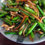 kale-pork-fried-garlic