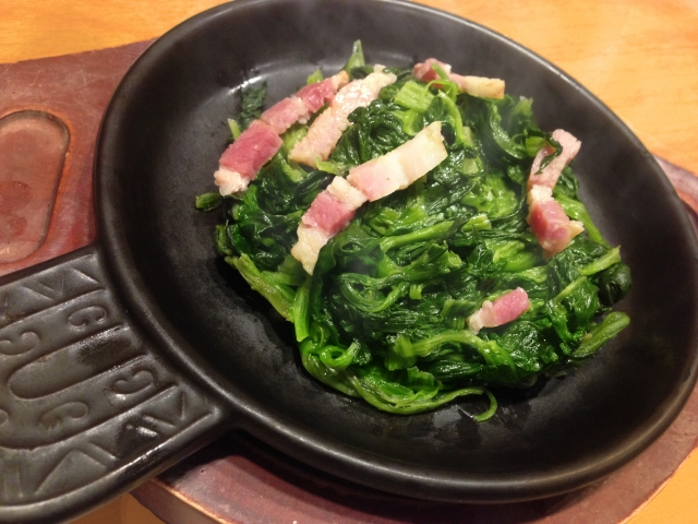 kale-garlic-fried-bacon