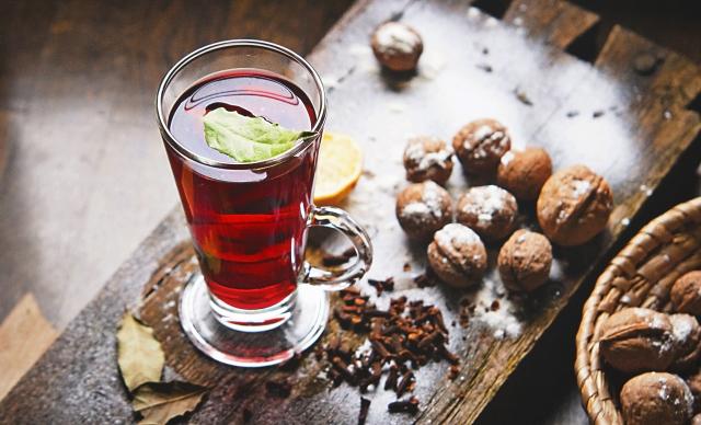 cinnamon-apple-hot-drink