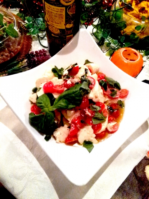 cottage-cheese-tomato-macrophyll-salad