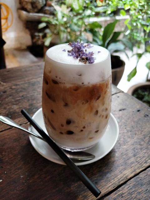 chia-seeds-milk-tea