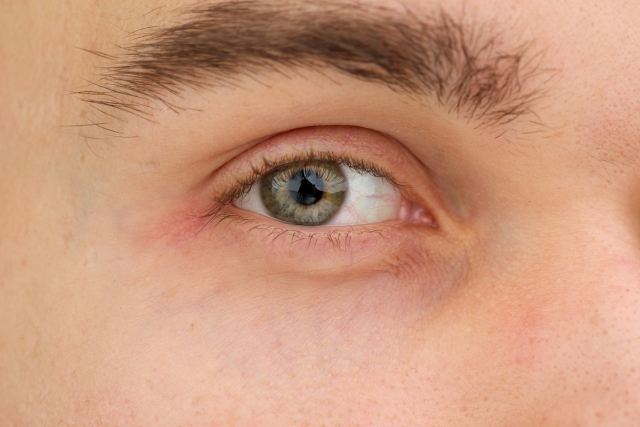 mens-eyebrow