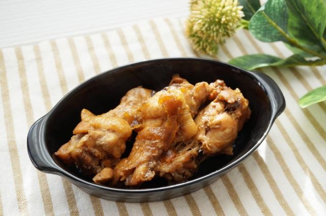 frying-pan-chicken-breast-meat-roasted-pork-fillet