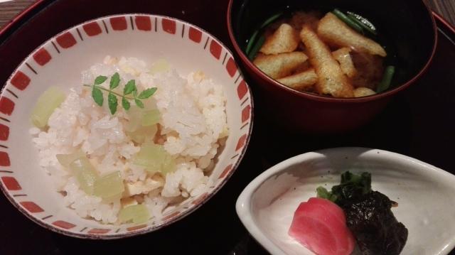 fuki-bamboo-shoot-rice