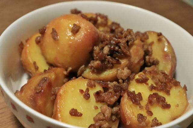 potato-beef-and-pork-ground-meat-food-boiled-and-seasoned
