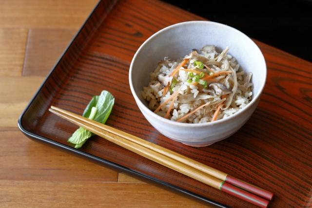 Is-white;-and shiitake-carrot-takikomi-gohan