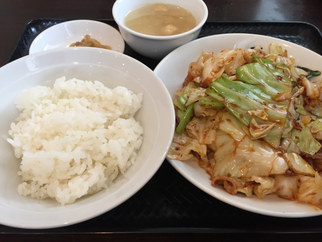 time-pan-meat-of-cabbage-and-the-pork