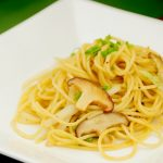 Japanese-style-pasta-of-a-shiitake-and-the-cabbage