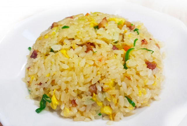 Egg-fried-rice-of-Chinese-chives-and-the-bacon