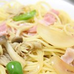 garlic-butter-pasta-of-enoki-mushroom-and-the-bacon