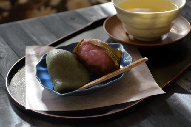 sakuramochi-kusamochi