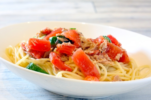calm-pasta-of-a-tomato-and-the-tuna