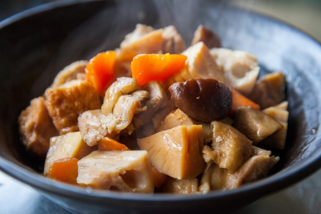 a-bamboo-shoot-and-chicken-boiled‐chikuzen